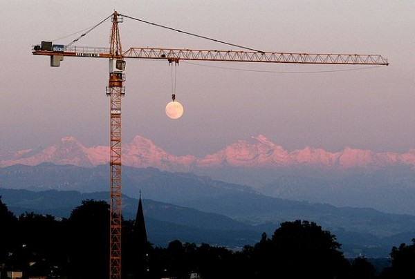 Crane Raising the Moon