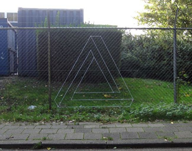 Impossible Triangle in Fence
