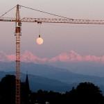 Crane Raising the Moon